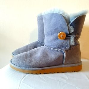 Ugg Bailey Boots Size 7.5 light violet